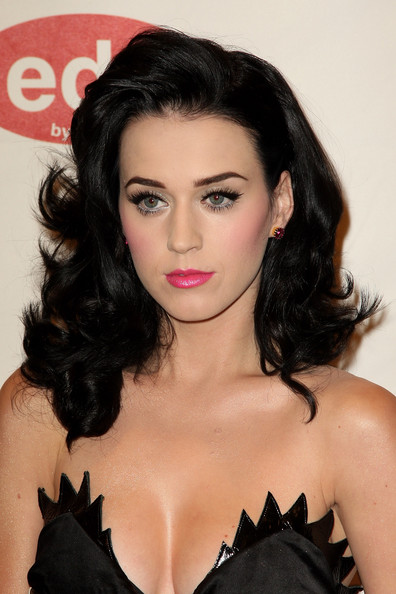 Katy+Perry+Long+Hairstyles+Long+Curls+CE4mxJ4WGz5l